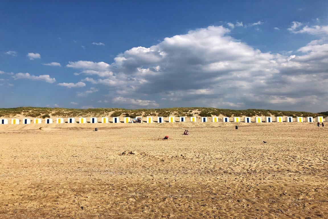 Strand_Blick auf Strandkabinen_1